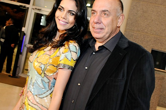 Daniela Albuquerque pretende renovar os votos de casamento com Amilcare Dallevo