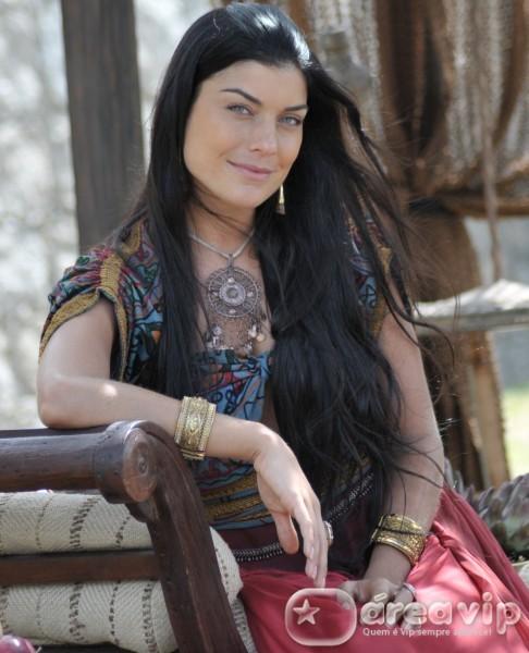 Joana Balaguer será uma cortesã na nova minissérie da Record, Sansão e Dalila