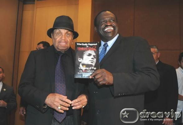 No Brasil, Joe Jackson lança livro sobre seu filho Michael Jackson