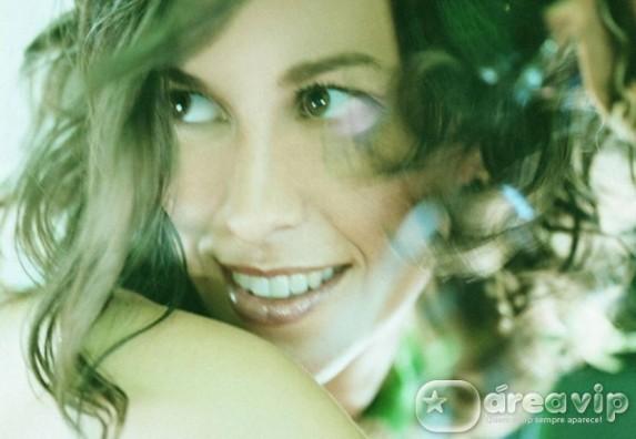 Alanis Morissette anuncia oito shows no Brasil em setembro