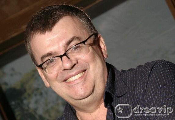 Walcyr Carrasco diz que não cederá a ex-chacretes