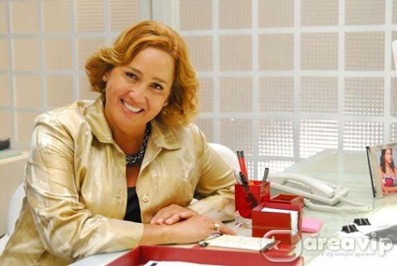 Claudia Jimenez quita dívida de Isabelita dos Patins com hospital