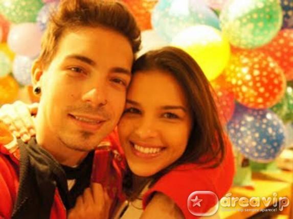 24h Mariana Rios ganha festa de Aniversário Surpresa de seu namorado