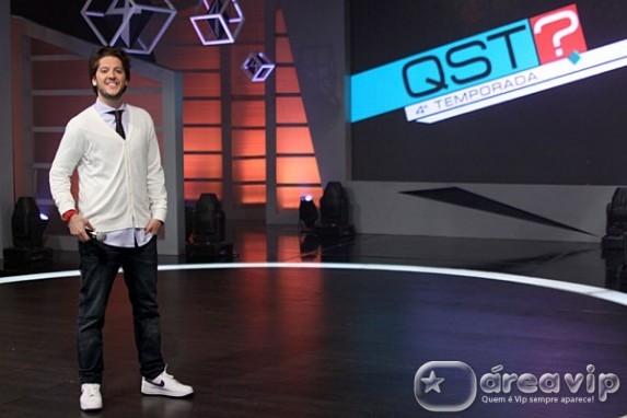 Artistas do SBT mostram seu talento no QST especial de aniversário