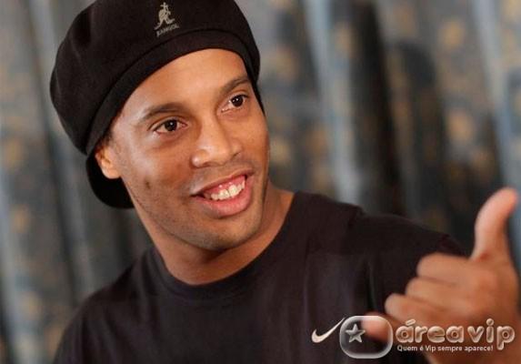 Após declarações polêmicas, Ronaldinho Gaúcho deve receber indenização de modelo