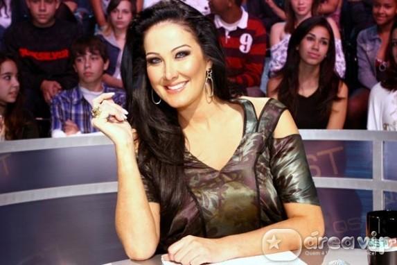 Helen Ganzarolli confirma fim de namoro com Eduardo Costa