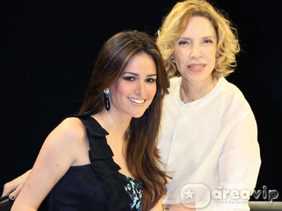 Marília Gabriela entrevista brasileira que concorre ao título de Miss Universo