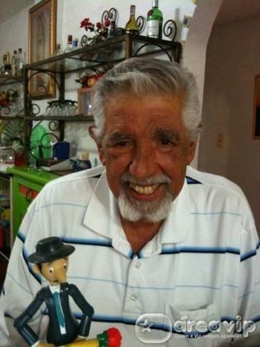 Doente, intérprete do Professor Girafales faz apelo por ajuda médica