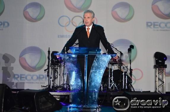 Âncora do 'Jornal da Record' terá que pagar multa de R$ 600 mil para Globo