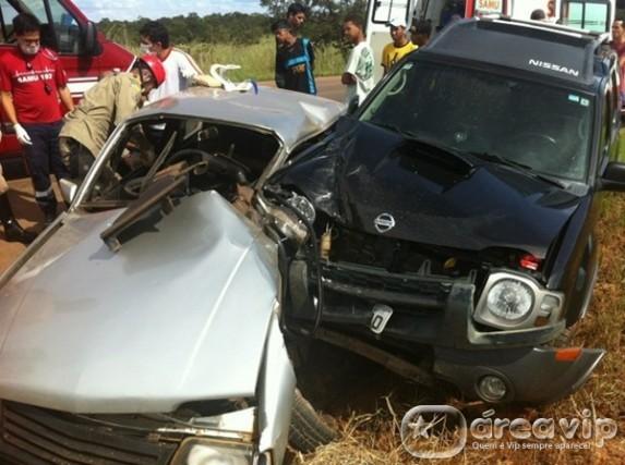 Chris Duran sofre acidente de carro