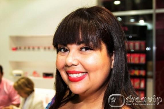 Fabiana Karla fica com papel que seria de Claudia Gimenez em novela