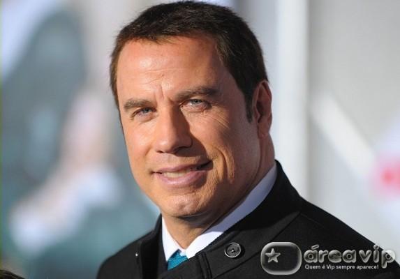 John Travolta teve relacionamento de seis anos com piloto, diz jornal