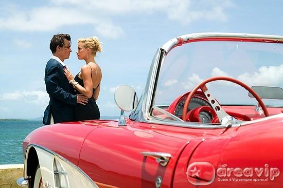 Johnny Depp se casa com atriz