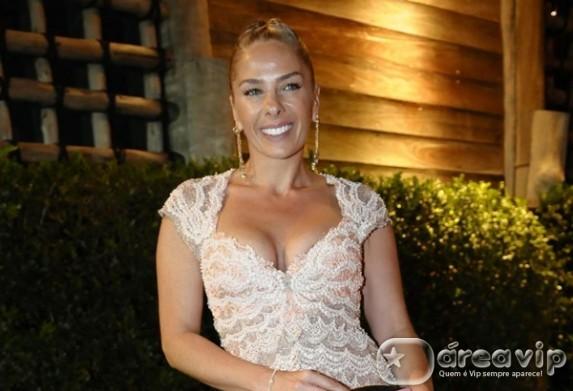 Estreia de reality show de Adriane Galisteu fica em quarto lugar