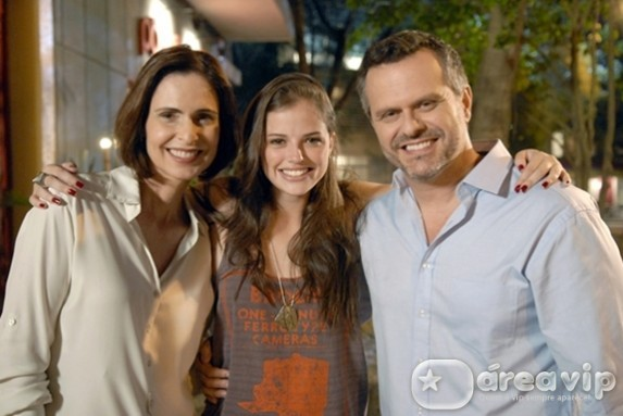 Silvia Pfeifer e Leonardo Franco entram em 'Malhação'