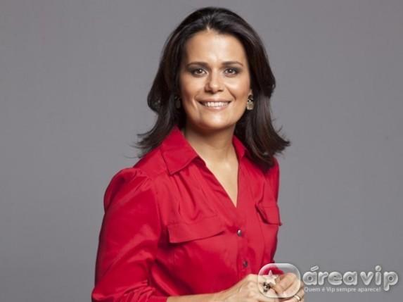 Adriana Araújo assume a bancada do 'Jornal da Record' ao lado de Celso Freitas