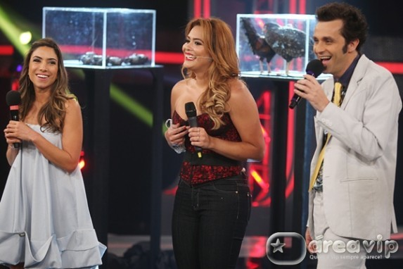 Geisy Arruda participa do programa 'Cante Se Puder'