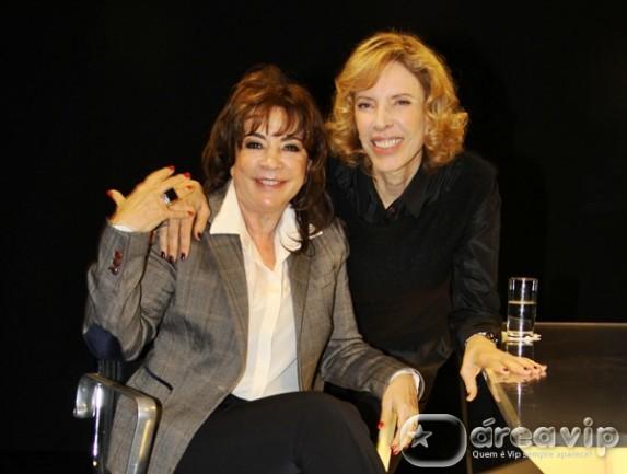 """'Namoramos com bilhetinhos de """"meu amor"""" e tudo', diz Iris Abravanel sobre relacionamento com o marido, Silvio Santos"""