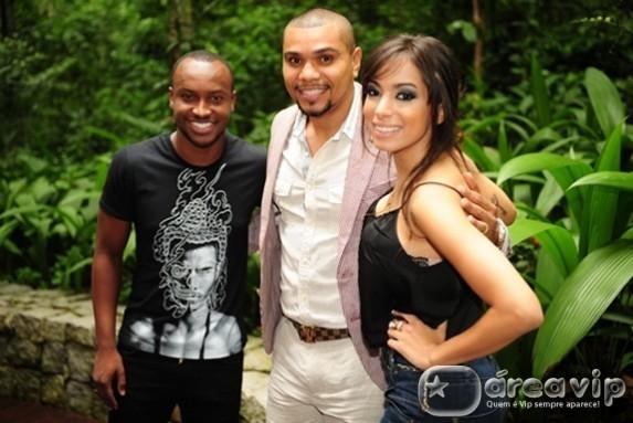 Thiaguinho, Anitta e Naldo Benny falam sobre 'Sai do Chão'
