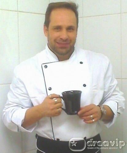 Ex-baterista do Polegar, Ricardo Costa diz que não tem dinheiro para comer