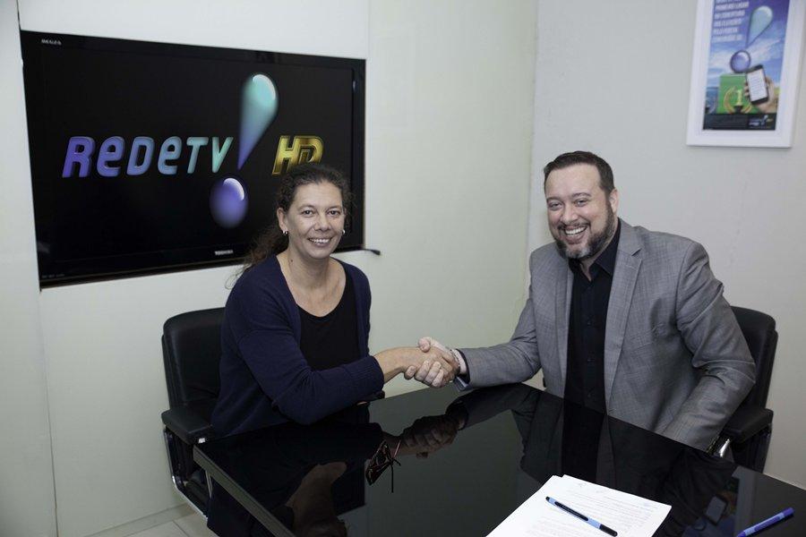 Ex- jogadora de vôlei, Ana Moser é a nova contratada da  Rede TV!
