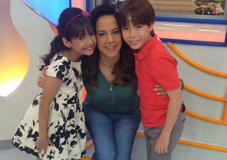 Silvia Abravanel, Matheus Ueta e Ana Julia apresentam o Feriadão SBT