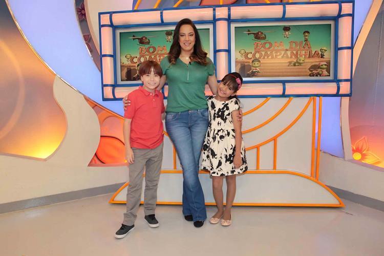 Silvia Abravanel, Matheus Ueta e Ana Julia apresentam o 'Feriadão SBT – Especial Dia das Crianças'