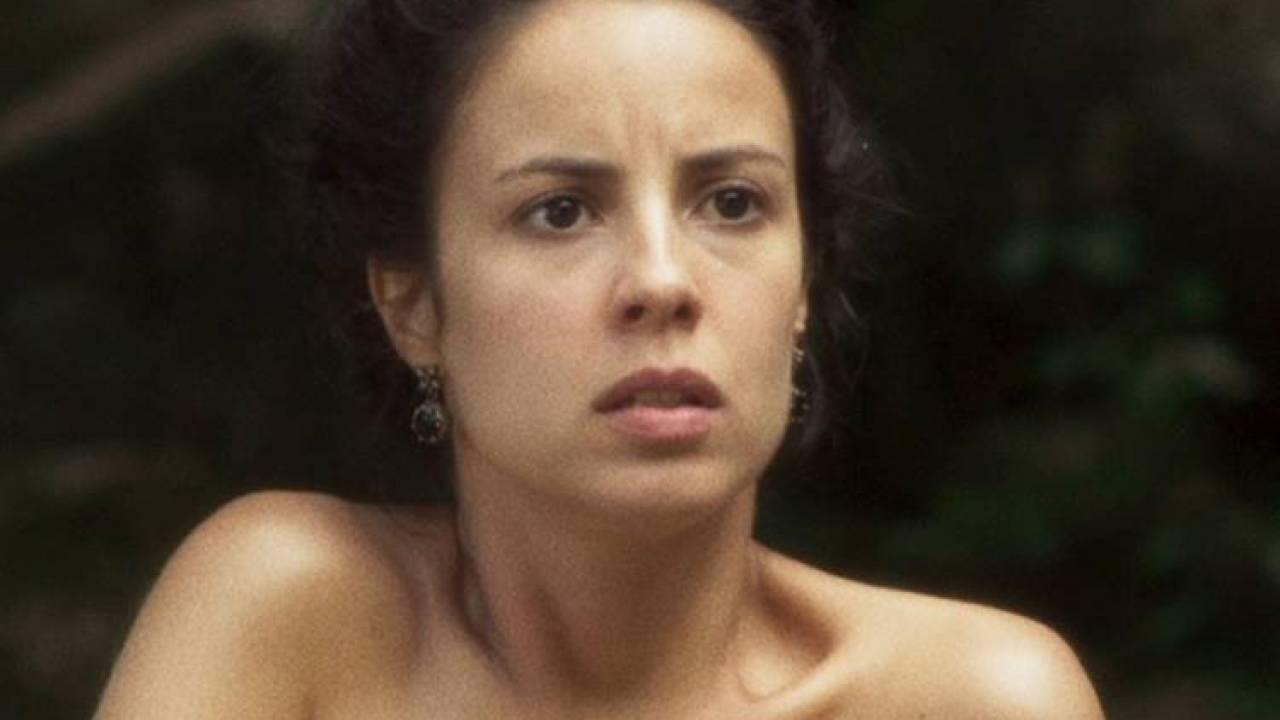 Andréa Horta Nua xavier vê joaquina nadando nua - Área vip