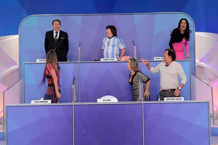 Silvio Santos leva choque (Lourival Ribeiro/SBT)