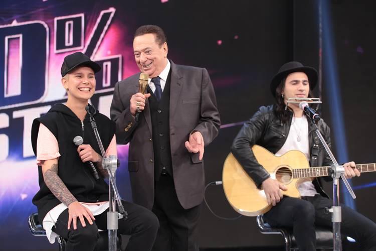 Raul Gil pede e Silvio Santos mantém apresentador até fevereiro no SBT