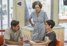 Flávia (Maria Flor) descobre que Tião é seu pai