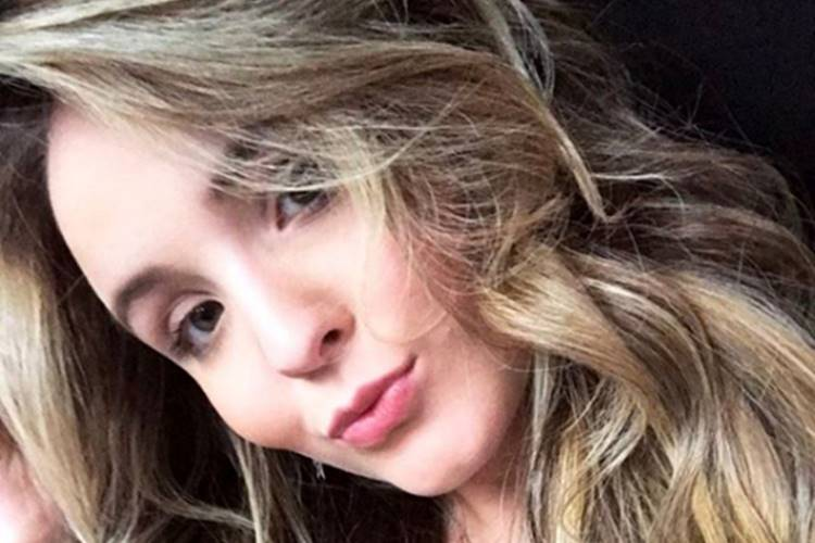 Larissa Manoela - Tudo sobre Famosos e Celebridades ⋆ Área VIP 658c4b1042