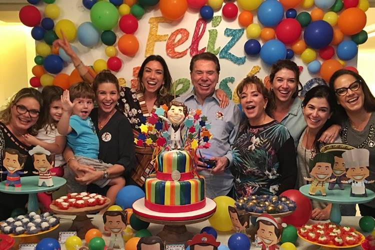 Silvio Santos com a familia/Instagram