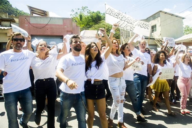 Sol Nascente: Mario e Sirlene denunciam César para a imprensa durante manifestação