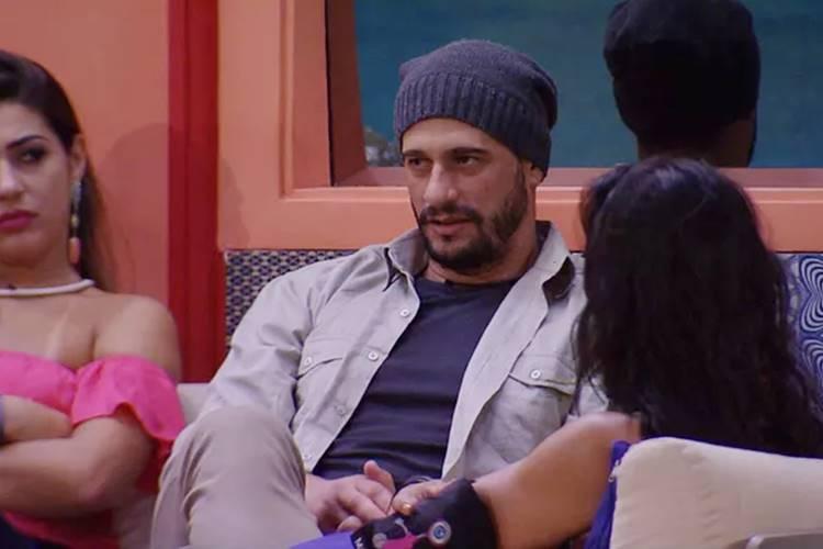 BBB17 - Daniel conversa com as sisters (Reprodução/TV Globo)
