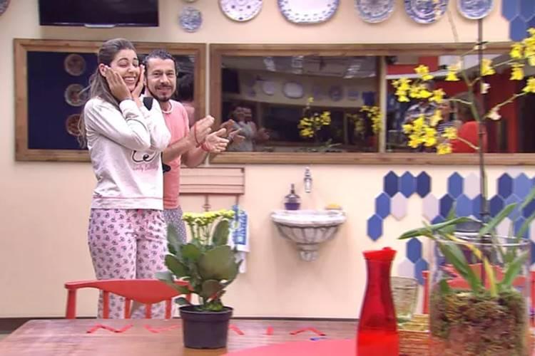 BBB17 - Vivian ganha surpresa (Reprodução/TV Globo)