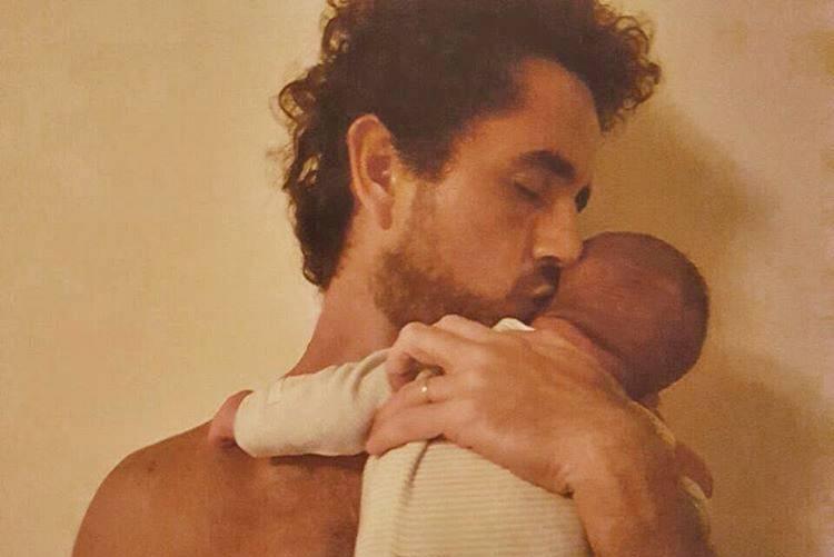 Felipe Andreoli e o filho Rocco / Instagram