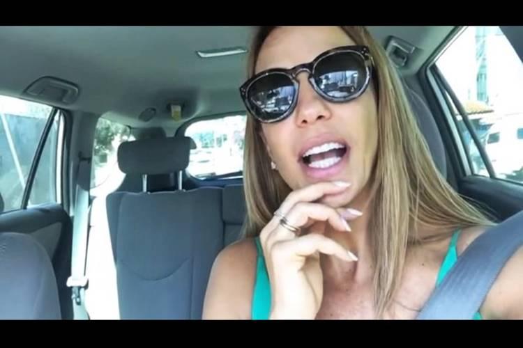 """Ivete Sangalo pede carona para fã e afirma: """"Não é Pegadinha!"""" – Confira o vídeo!"""
