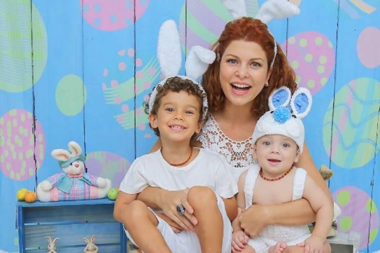 Barbara Borges com os filhos/Instagram/natalialedinefotografia