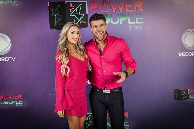 Julia e Marcelo iê iê (Edu Moraes/Record TV)