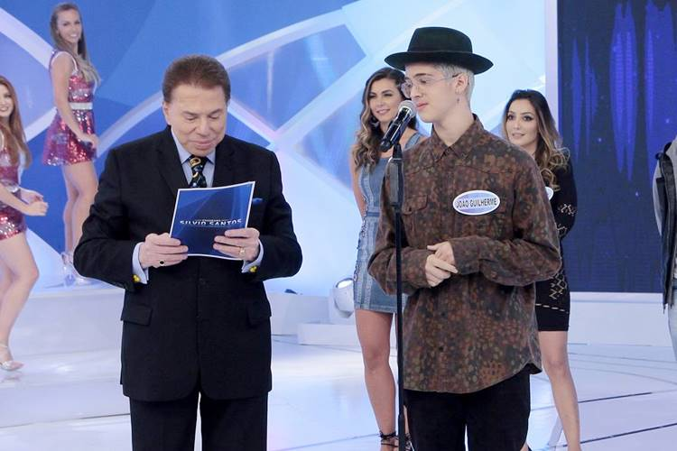 Silvio Santos e João Guilherme (Lourival Ribeiro/SBT)