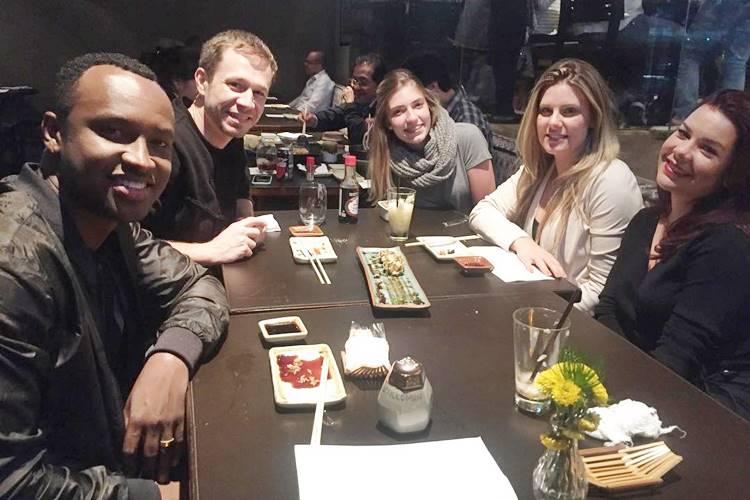 Tiago Leifert janta com amigos/Instagram