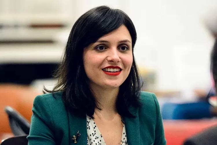 Monica Iozzi estaria dando trabalho para produção nos bastidores de filme