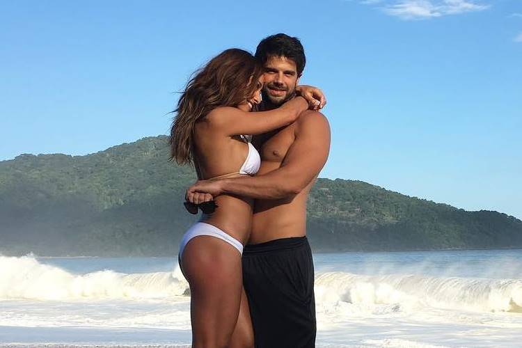 Sabrina Sato parabeniza Duda Nagle com post romântico