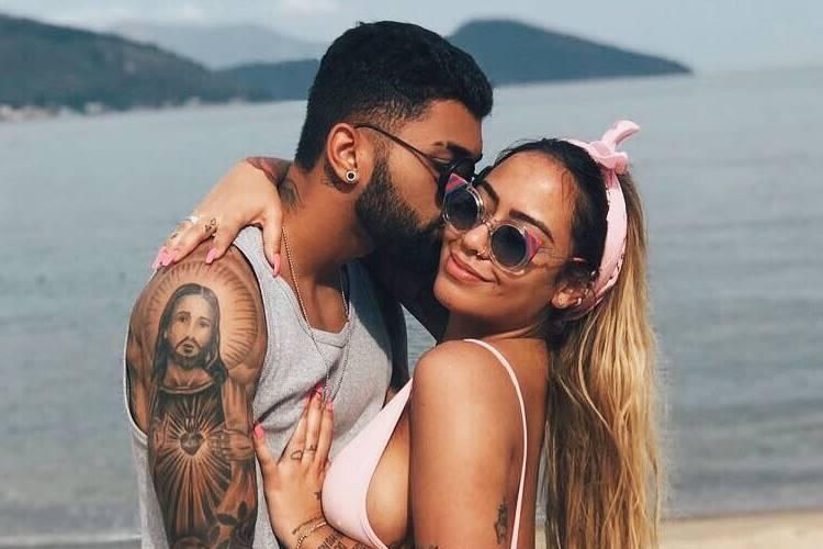 Irmã de Neymar, Rafaella Santos ganha declaração do namorado, Gabigol