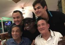 Gui Santana, Mumuzinho, Lucas Veloso, Dedé Santana e Renato Aragão (Reprodução/Instagram/renatoaragão)
