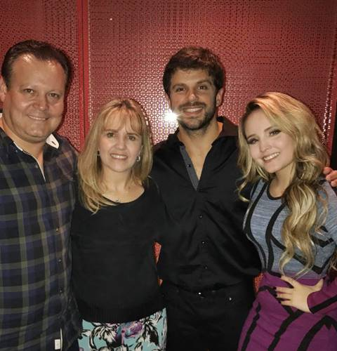 Larissa Manoela com os pais e Duda Nagle/Instagram