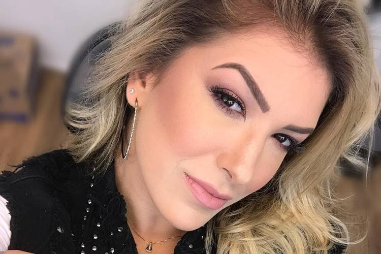 "Lorena Improta anuncia afastamento do ""Domingão do Faustão"""