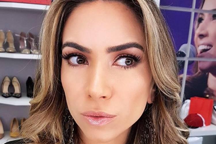 """Patricia Abravanel se diverte com disfarce para """"Programa Eliana"""" – Veja!"""