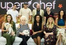 Super Chef Celebridades - Ana Maria com participantes (Globo/Raquel Cunha)